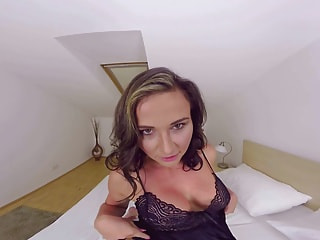 Frisky Czech Nikky Sweet wants your fingers to prime her pot for riding