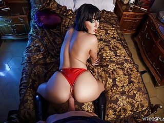 Busty Vampirella thrives on blood and boners