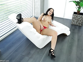 cute chubby Jennifer Mendez