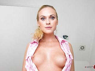 Czech VR Fetish 090 - Let Vinna Pee on You!