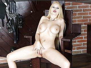 Mistress Angel Wicky searching for a pearl in her tight clam