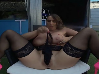 SEXY SUSI - she starts squirting for you ...
