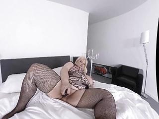 blonde BBW masturbation