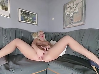 VANESSA - the all blond wet cunt...