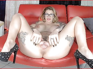 AMANDA - You have to fuck her right now ...