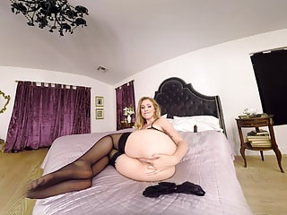Stunning blonde demolishes her tunnel of love with a plastic drill