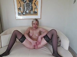 GABY GOLD - wet and horny...