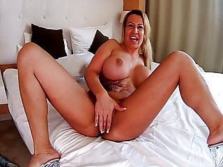 Big Tits and Booty on a Solo Teasing MILF in Bed
